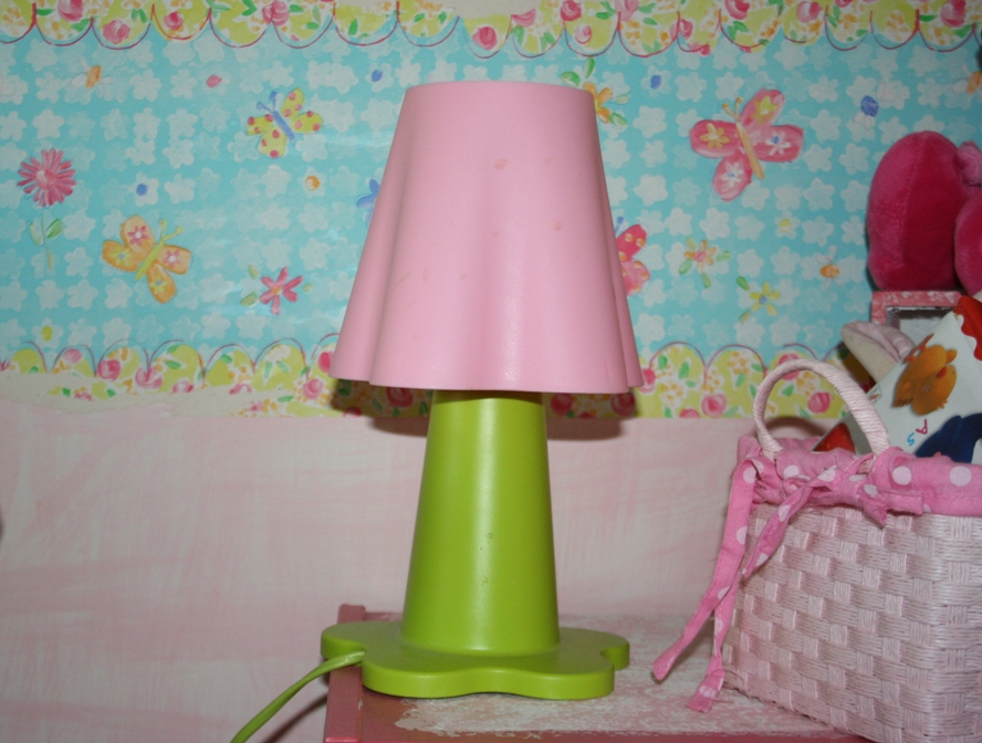 candeeiro cor-de-rosa